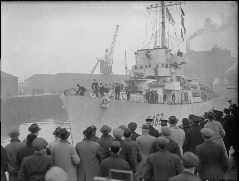 The Royal Navy during the Second World War A22696.jpg