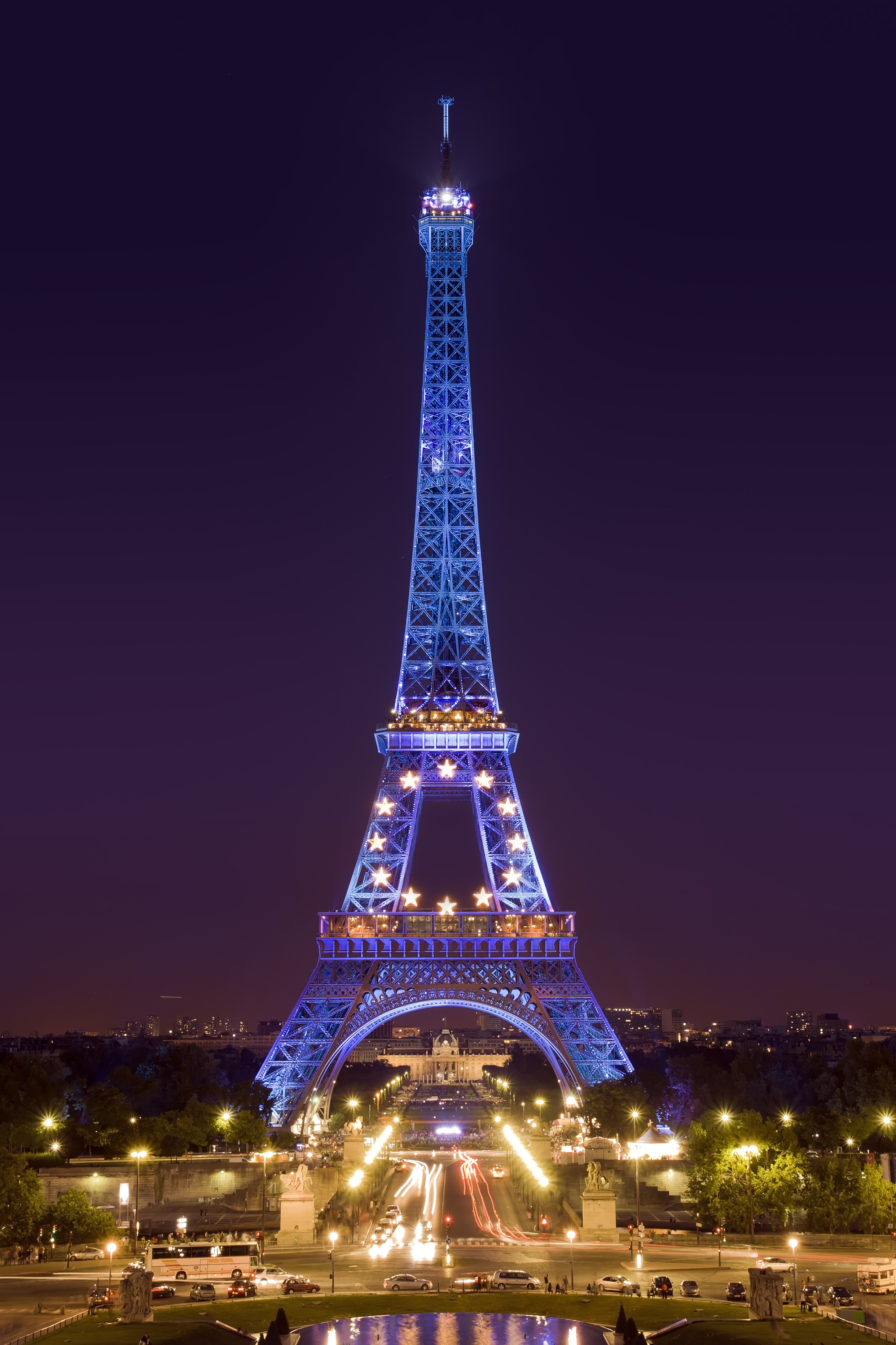 file tour eiffel de nuit jpg wikimedia commons. Black Bedroom Furniture Sets. Home Design Ideas