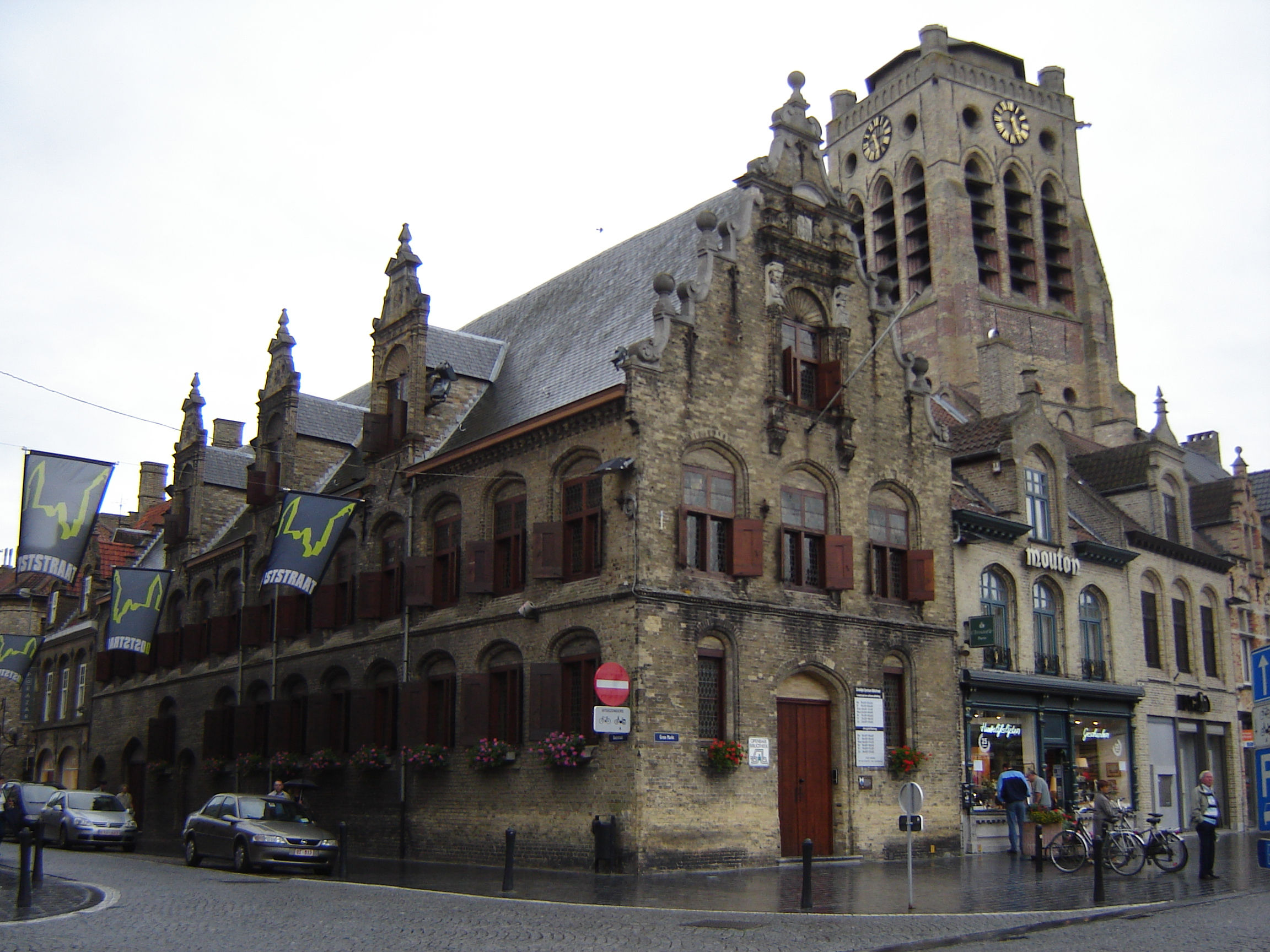 Beautiful Church Library #1: Veurne_-_Vleeshalle_1.jpg