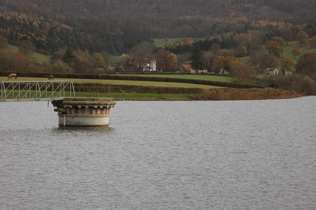 Witcombe Reservoirs - geograph.org.uk - 621447