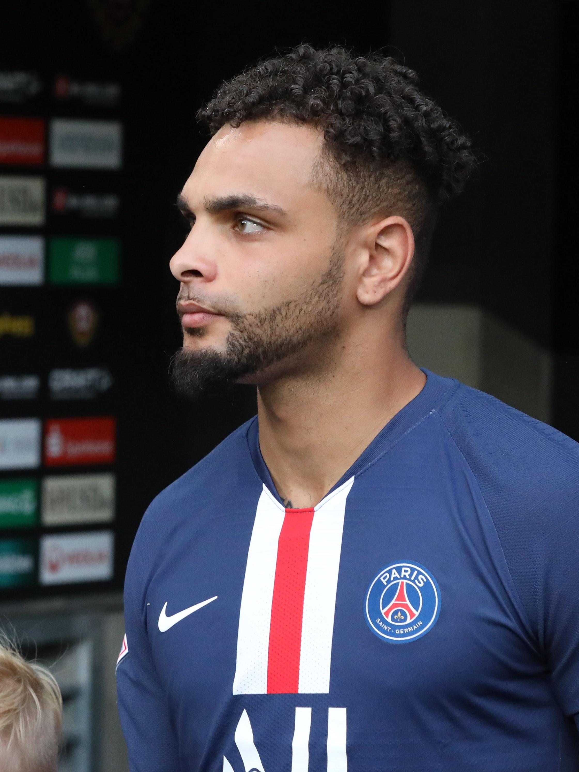 PSG vs Marseille: Neymar, four others sent off as Ligue 1 champions lose again    PEAKVIBEZ