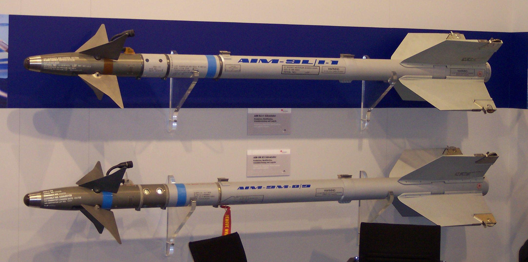 المروحية التركية t129 attak AIM-9L-I1_%2B_AIM-9M_Sidewinder