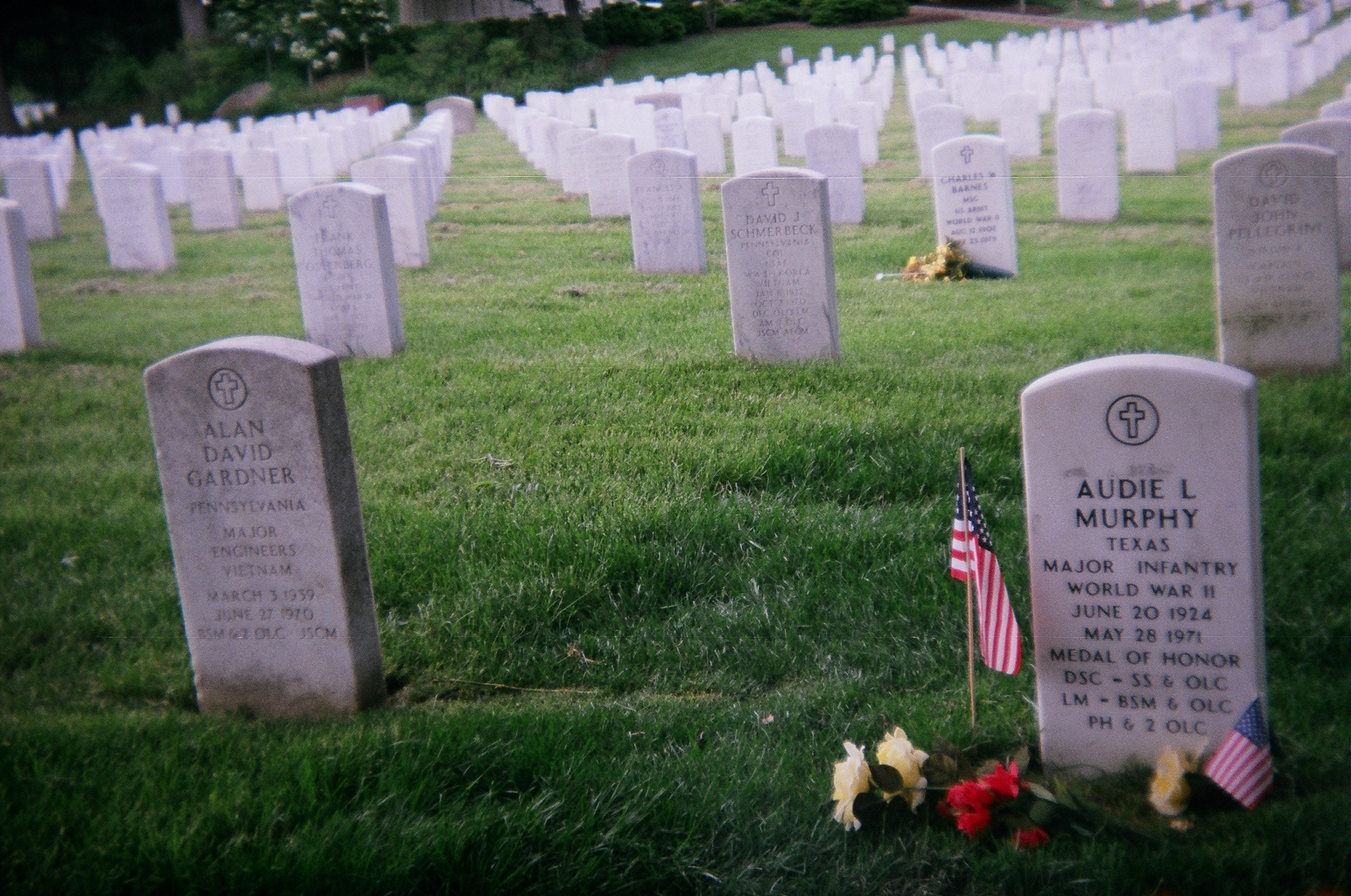 file audie l murphy gravestone at arlington cemetery jpg wikimedia