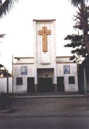 Baucau Kirche klein.jpg