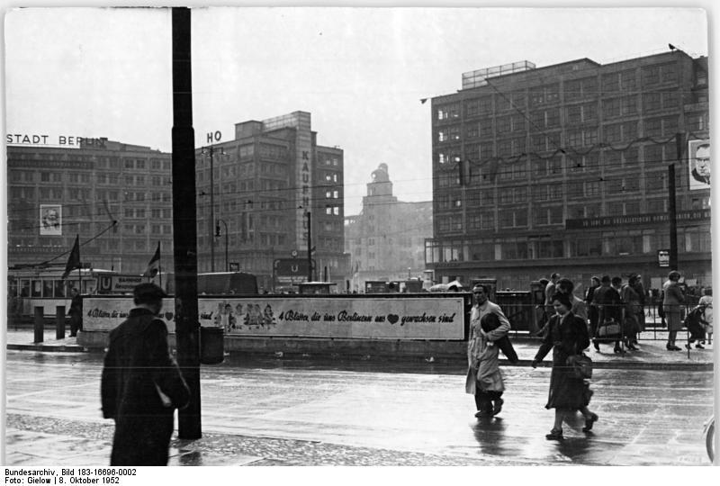 file bundesarchiv bild 183 16696 0002 berlin alexanderplatz berolina haus ho. Black Bedroom Furniture Sets. Home Design Ideas