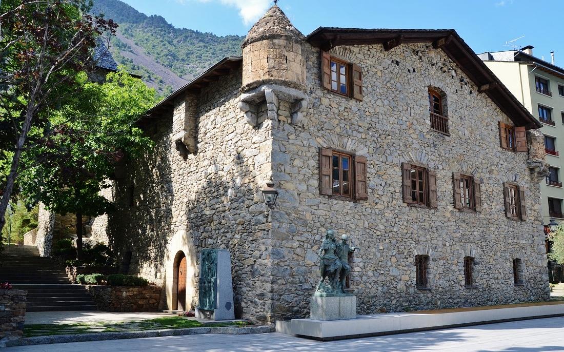 Casa de la vall viquip dia l 39 enciclop dia lliure - Casas en llica de vall ...