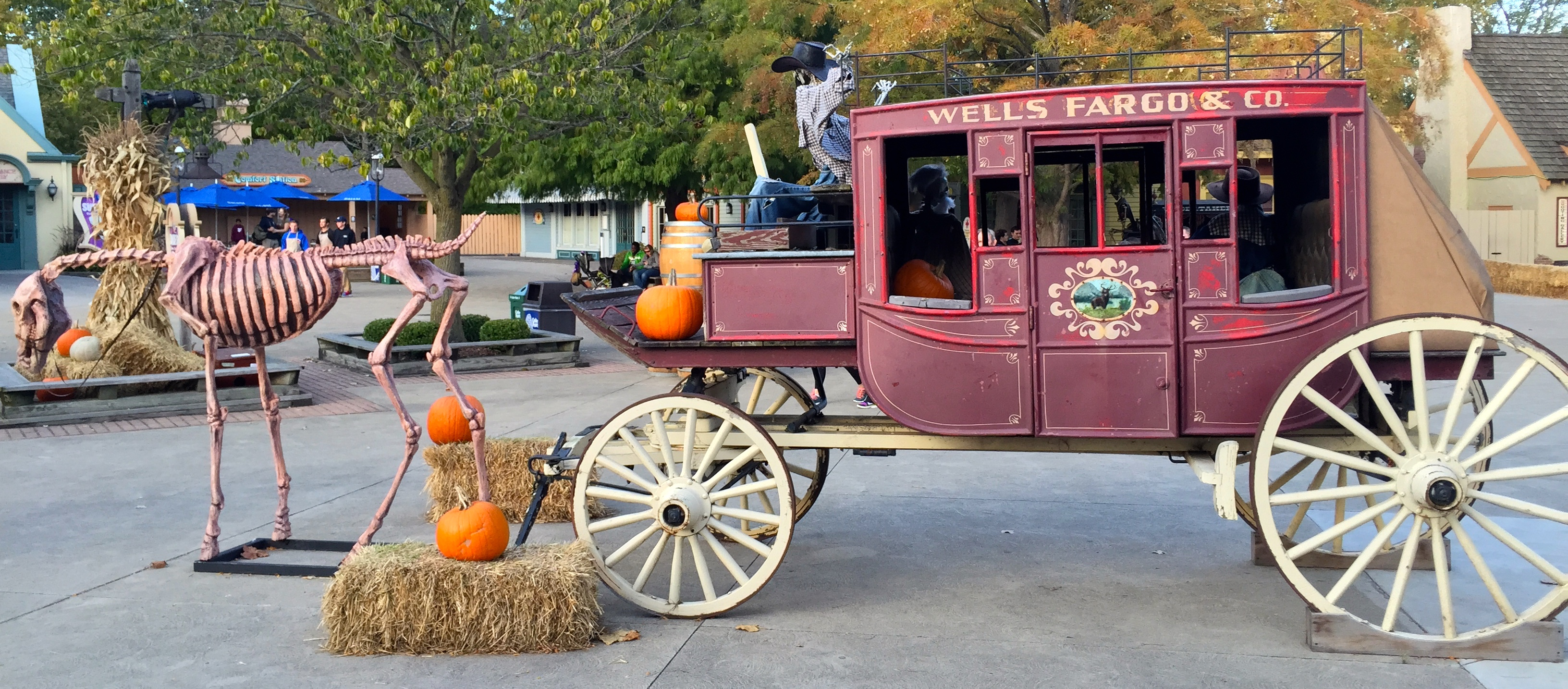 File:Cedar Point HalloWeekends Wells Fargo wagon (2634).JPG