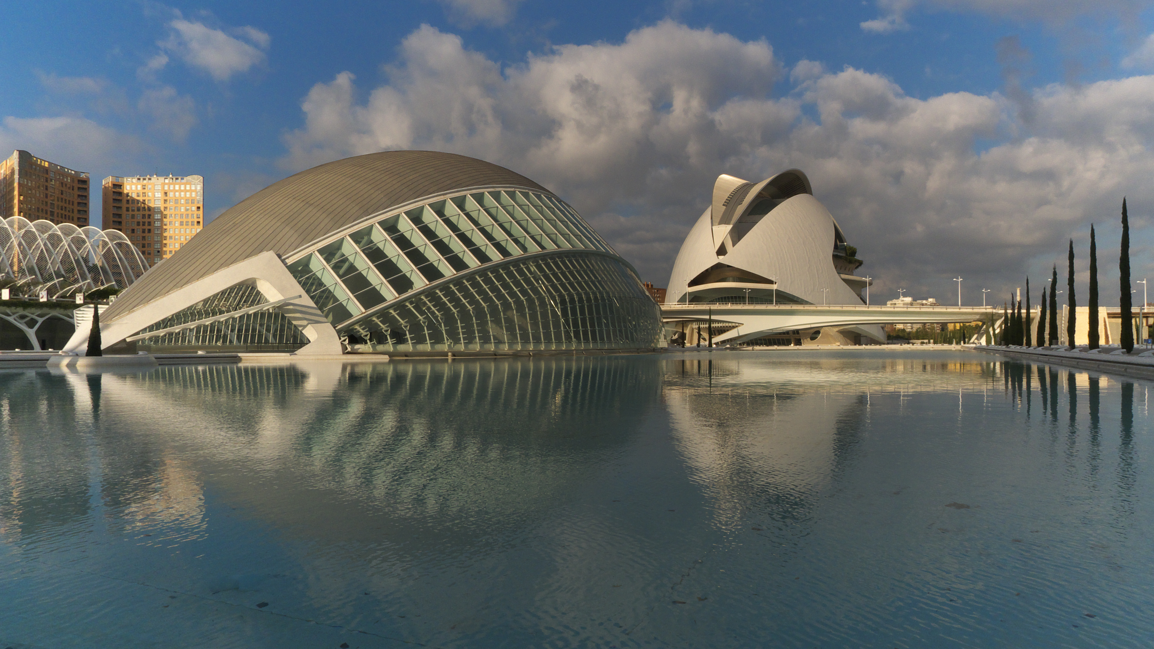 File:Ciudad de las Artes y las Ciencias. Valencia.jpg - Wikimedia Commons
