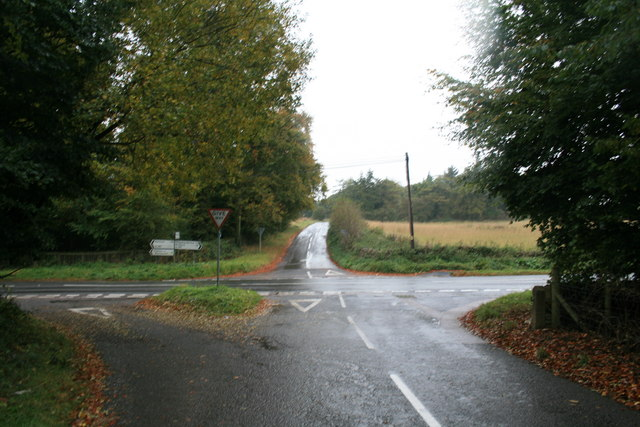 File:Crossroads on the A361 - geograph.org.uk - 1550039.jpg