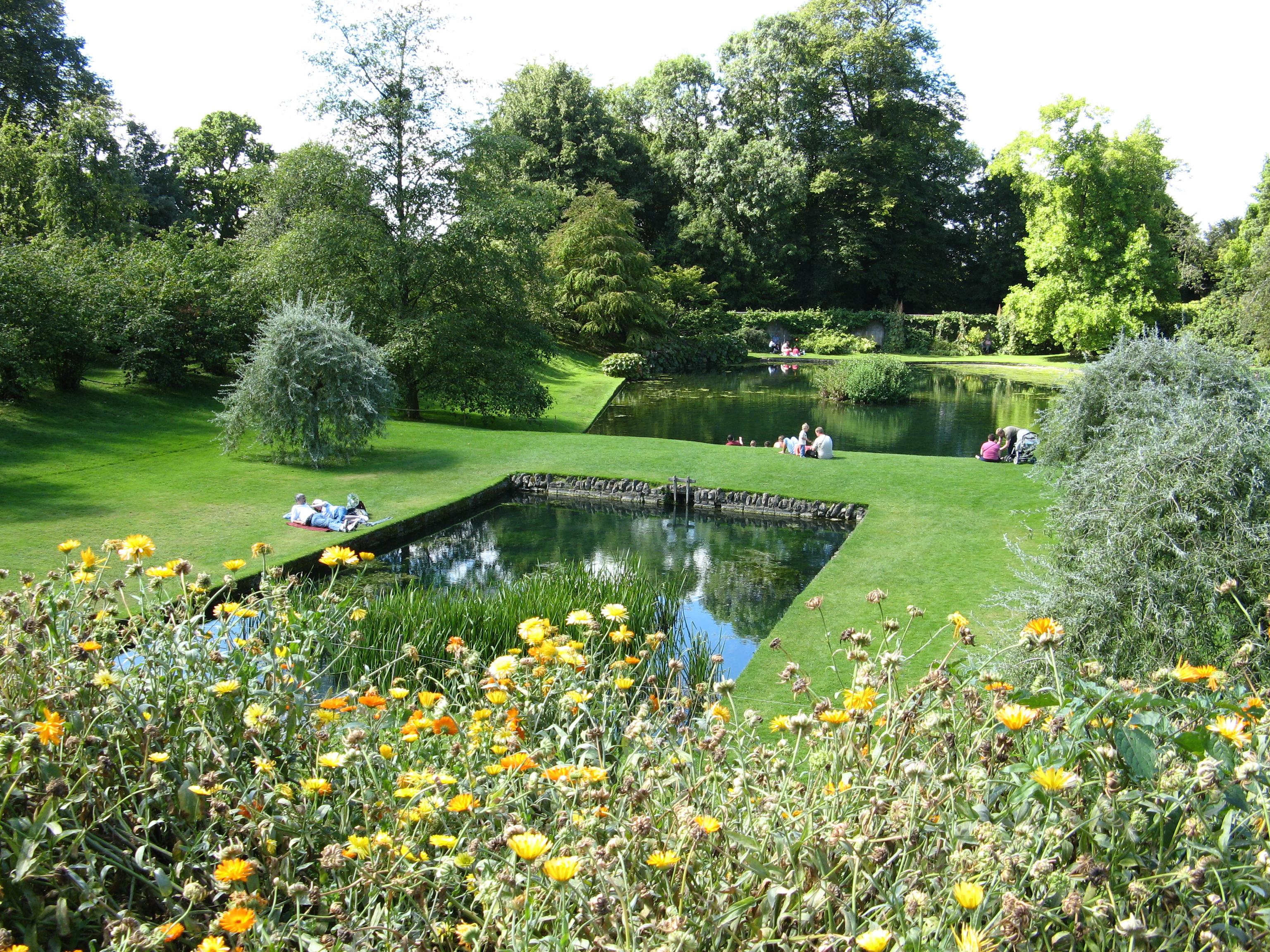 File dyrham park garden ponds from for Garden pond images