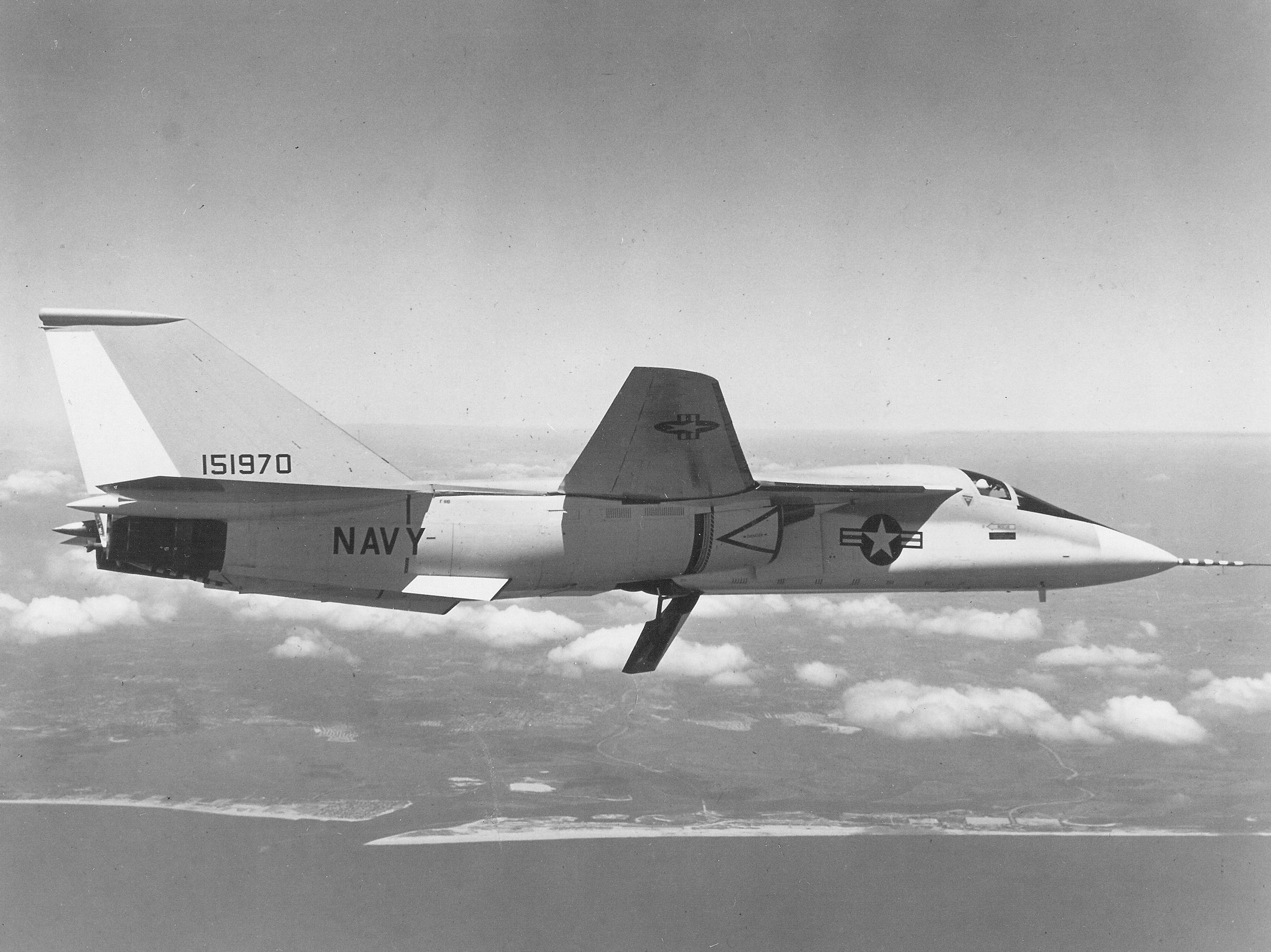 File:F-111B prototype in flight c1965.jpg - Wikimedia Commons
