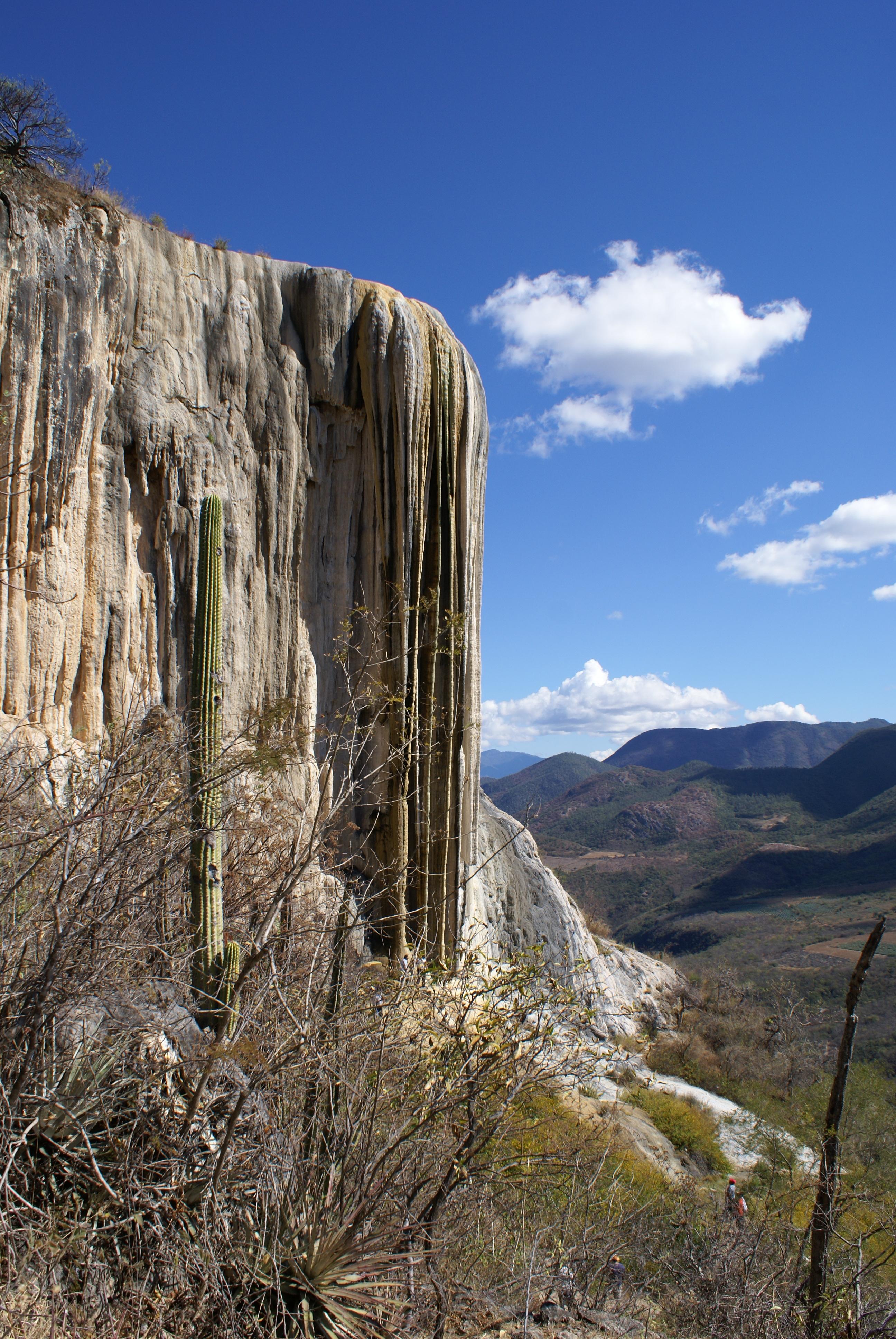 Vajarska dela prirode Formaciones_rocosas_de_Hierve_el_Agua,_Oaxaca,_M%C3%A9xico.