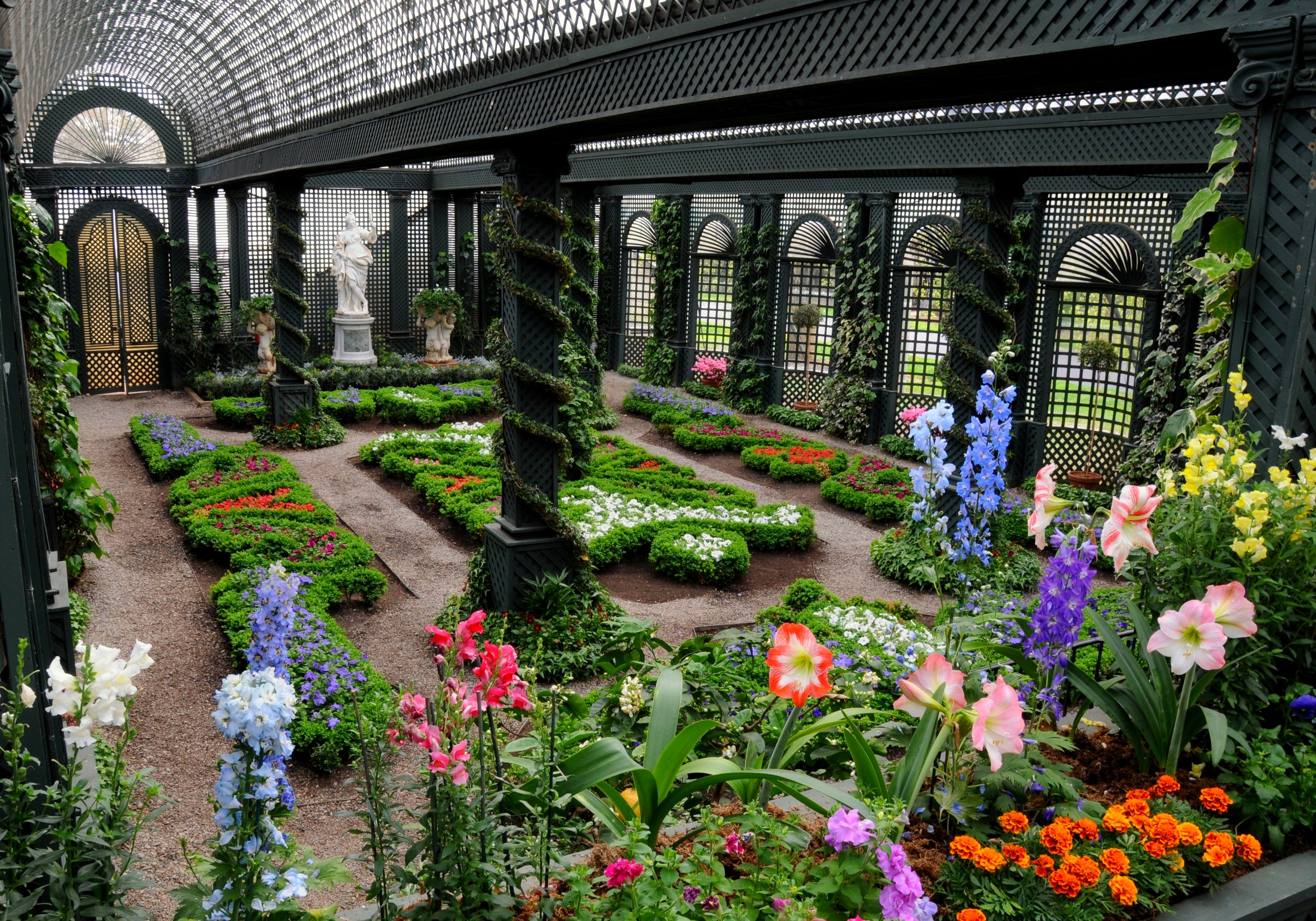 File french garden at duke wikimedia commons for Garden home interiors