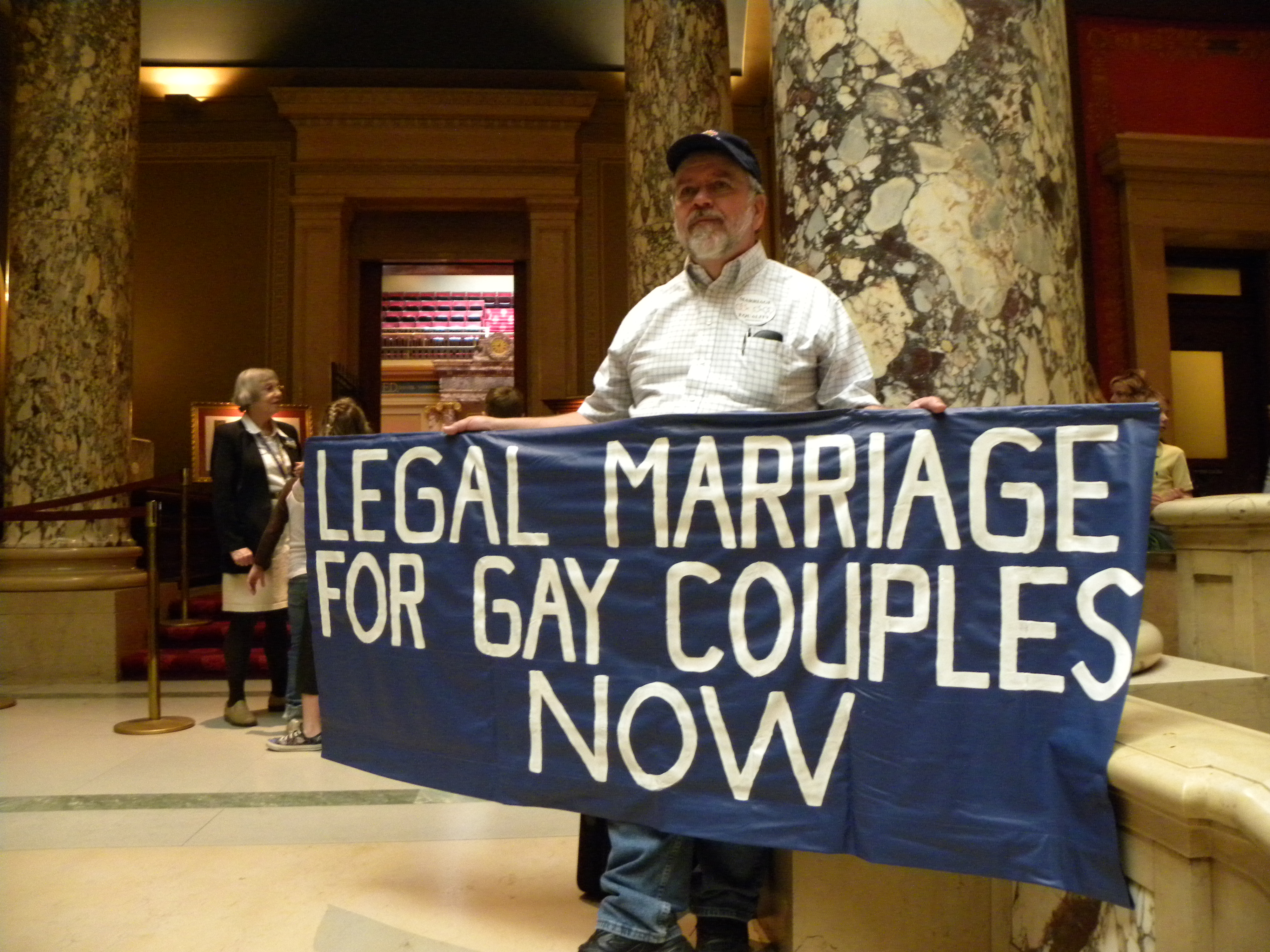 thesis against gay marriage Thesis statements: granting legal marriage rights to gays and lesbians would threaten the stability of the family five arguments against gay marriage.