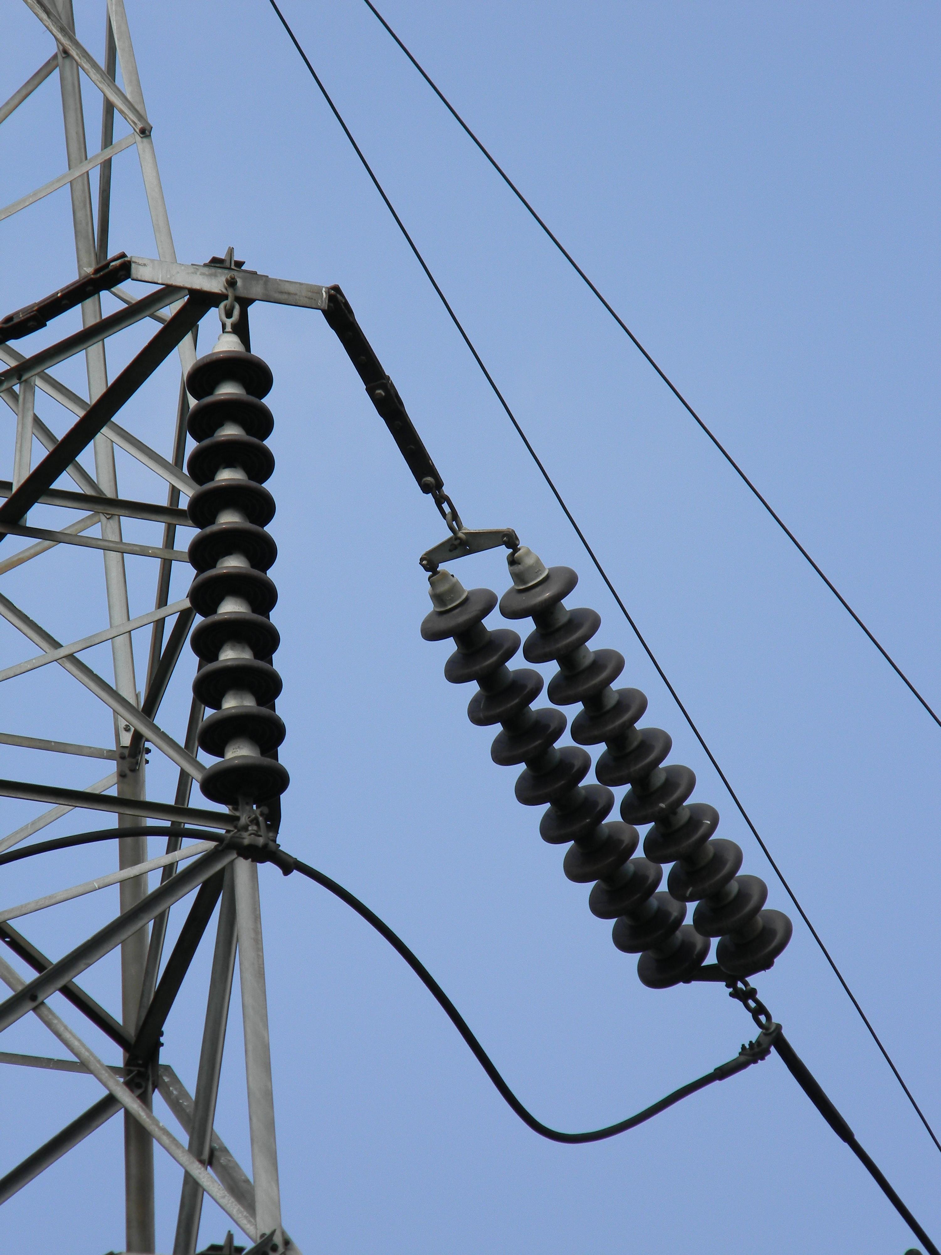 File:High Voltage Transmission Line Insulators - Howrah ...