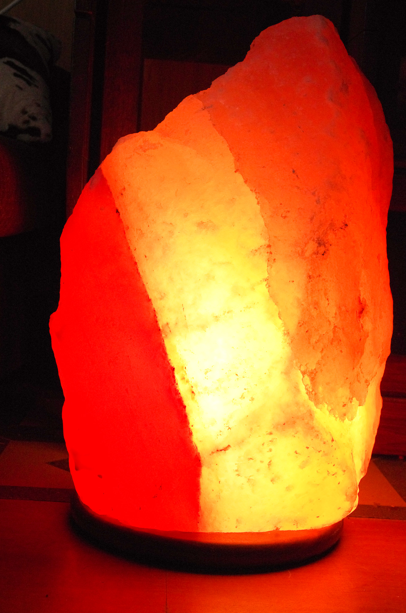 Himalayan Glow Salt Crystal Lantern Nightlight In Black Natural