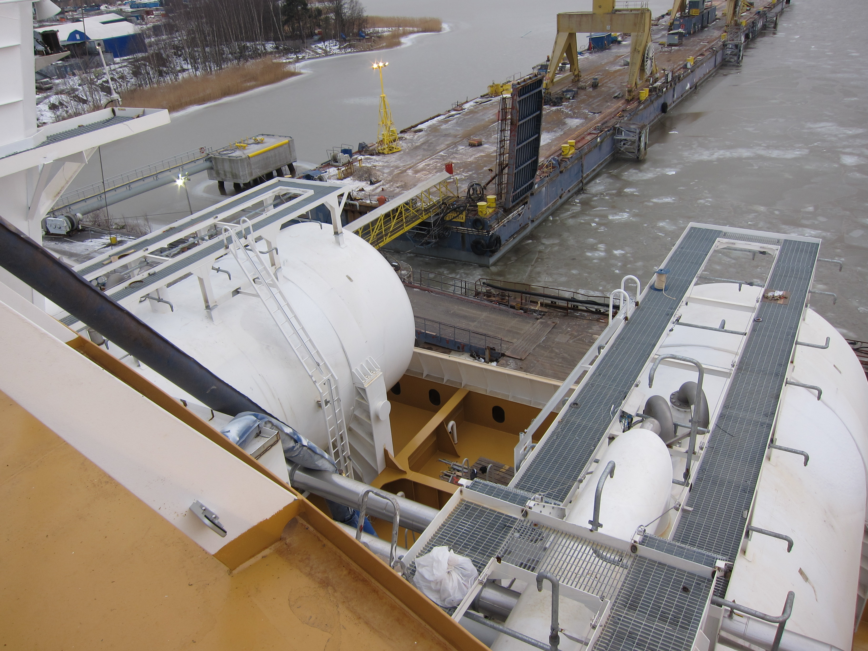 Description LNG-säiliöt, MS Viking Grace, Pernon telakka, Turku, 5.1