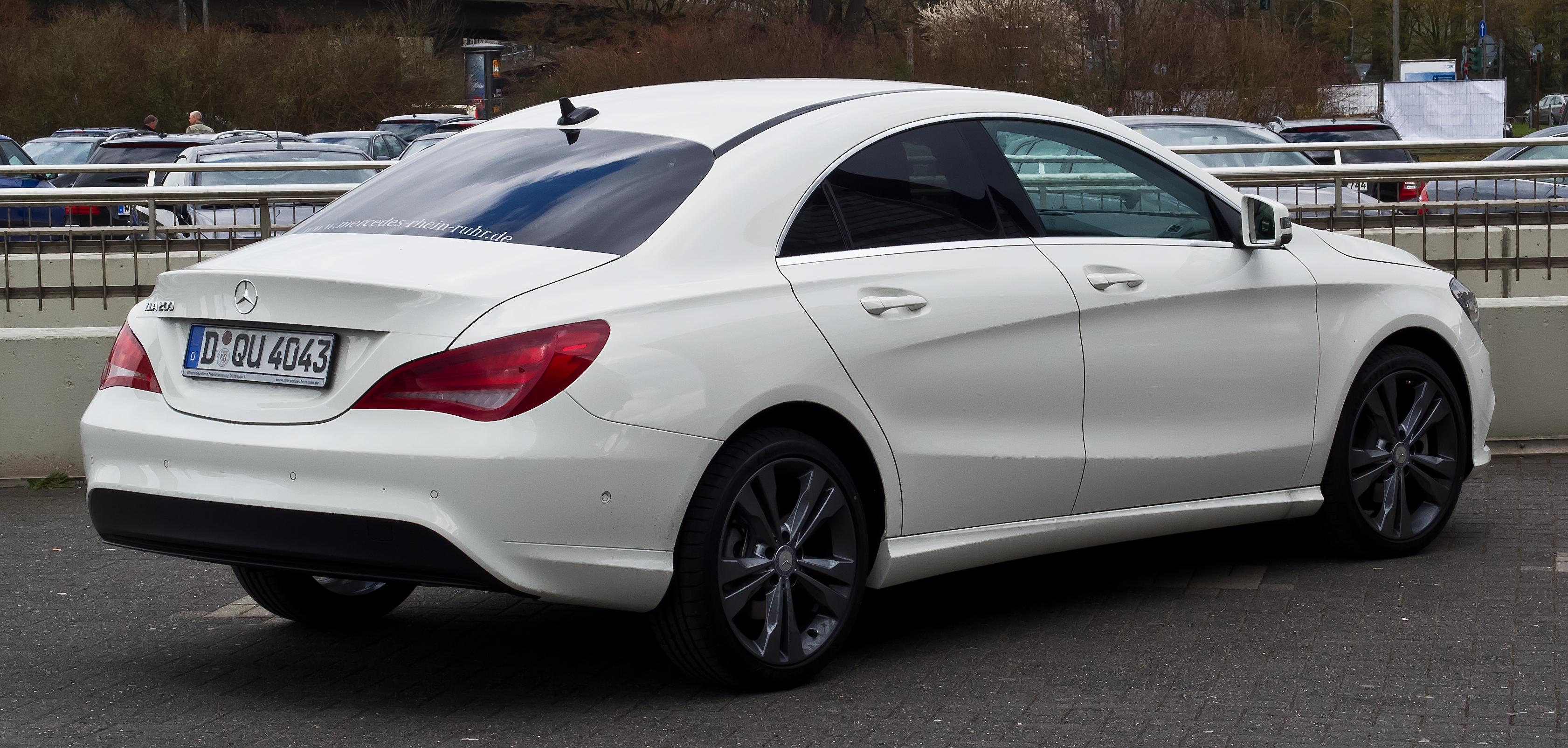Mercedes Benz Cla  Rear Hiproom