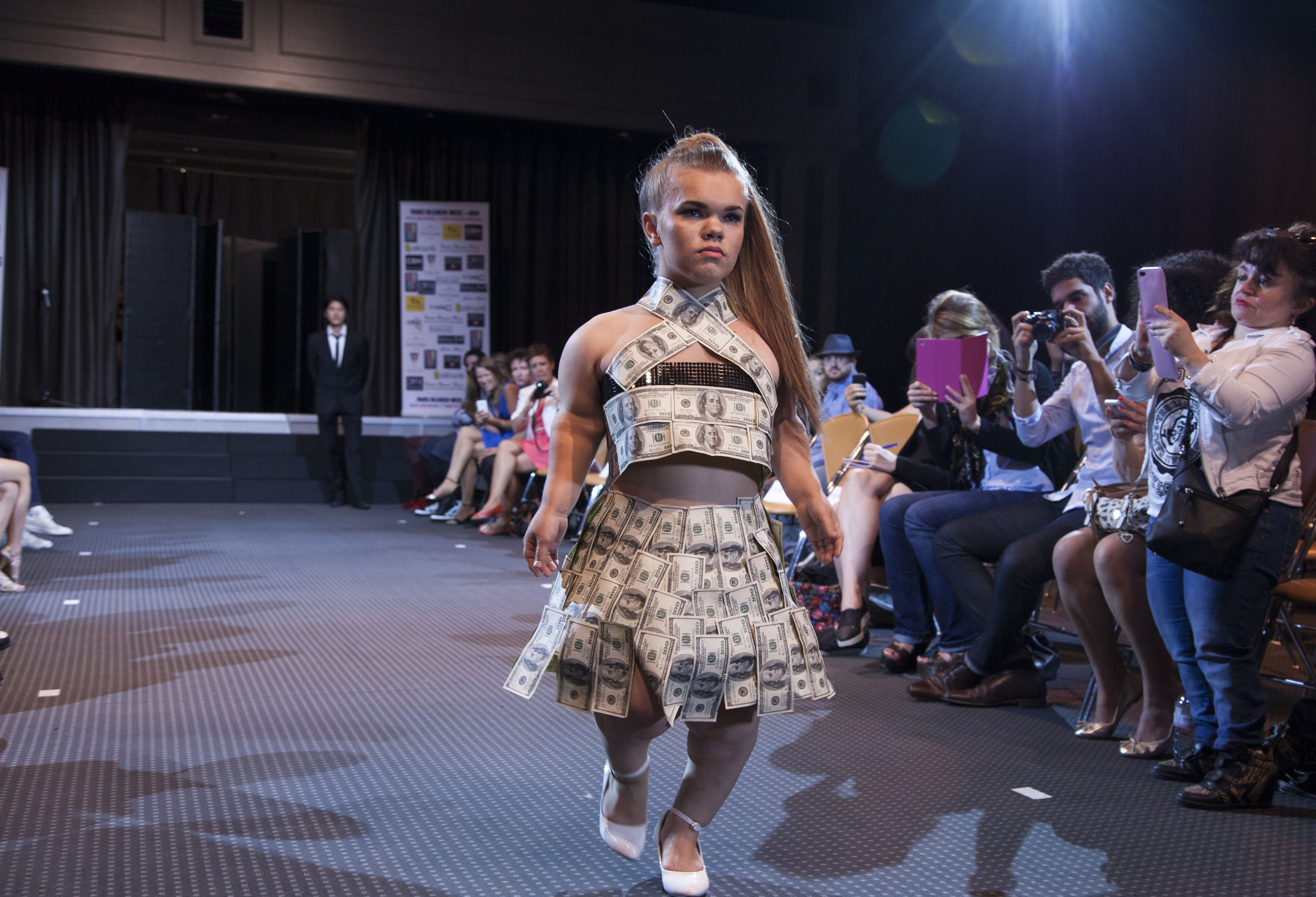 File:Money dress made for the 1st dwarf fashion show.jpg ...