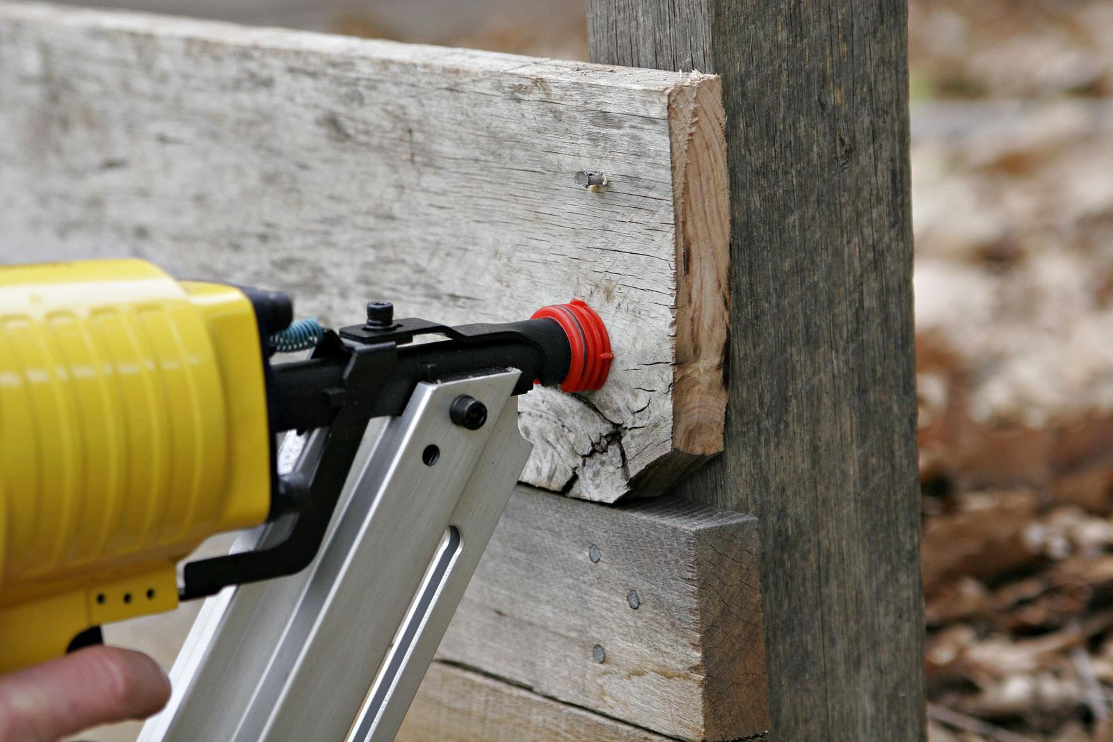 File:Nail gun.jpg - Wikimedia Commons