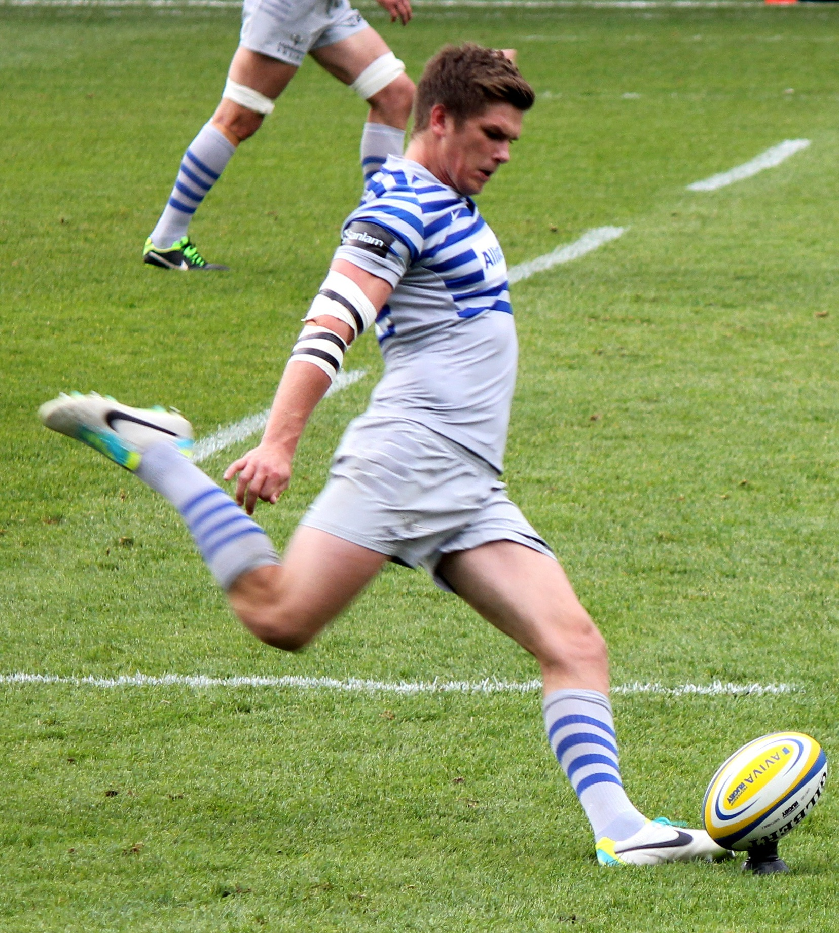 Do Rugby Goal Kickers Wear Different Shoes
