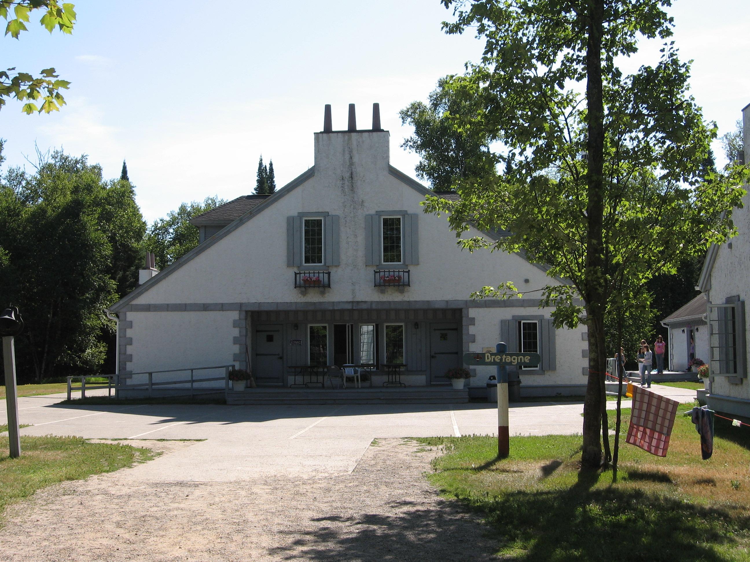 FilePavillon Rennes (Lac du BoisBemidji)jpg  Wikimedia  ~ Pavillon Du Bois