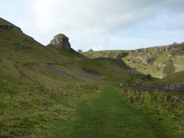 Peter's Stone, Cressbrook Dale - geograph.org.uk - 1564301