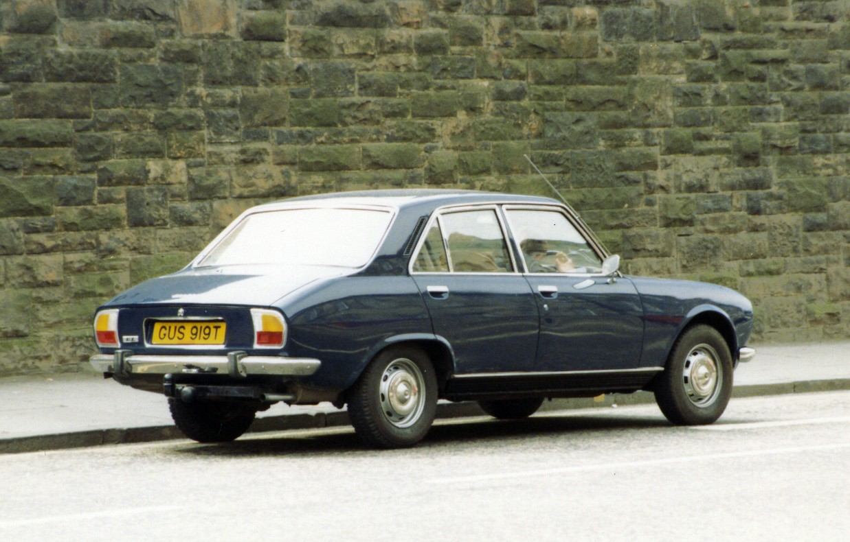 file peugeot 504 saloon     wikimedia commons