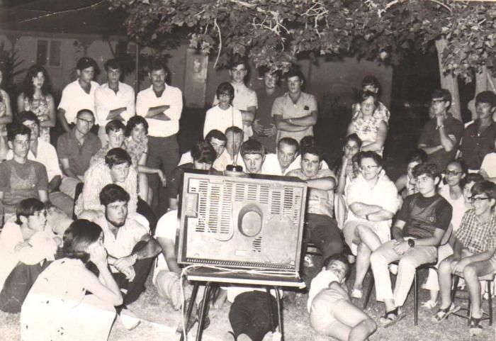 צופים בטלוויזיה הראשונה 1968