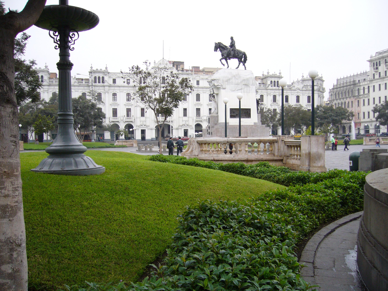 Ficheiro:Plaza de San Martín.JPG – Wikipédia, a enciclopédia livre