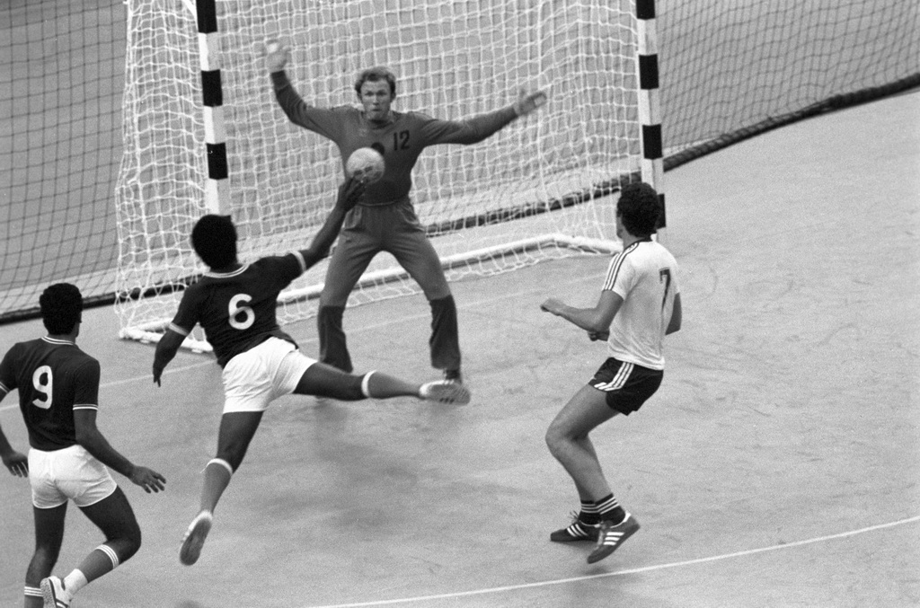 Regras do futsal wikipedia