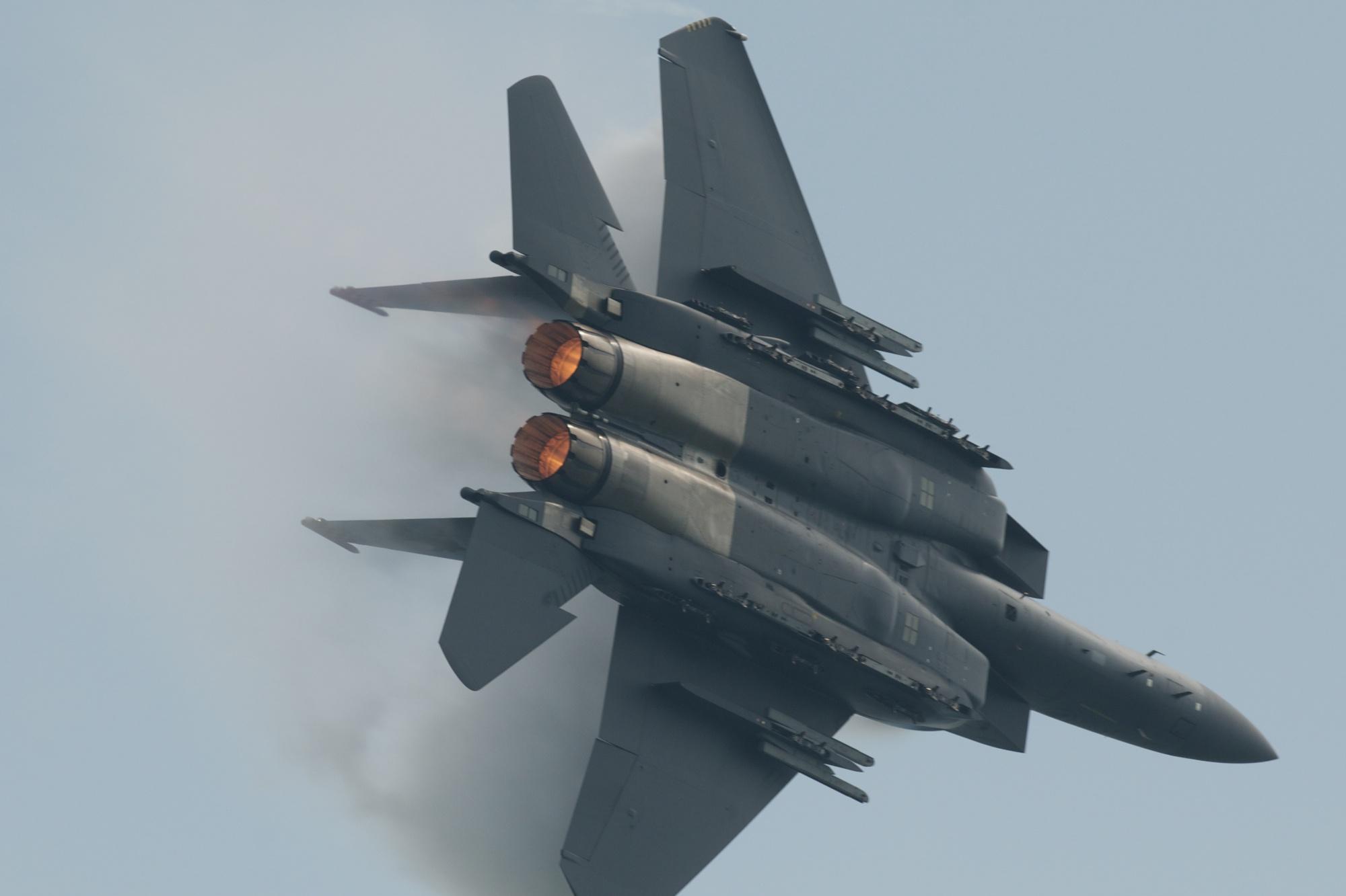 F 15 Singapura File:RSAF McDonnell Do...