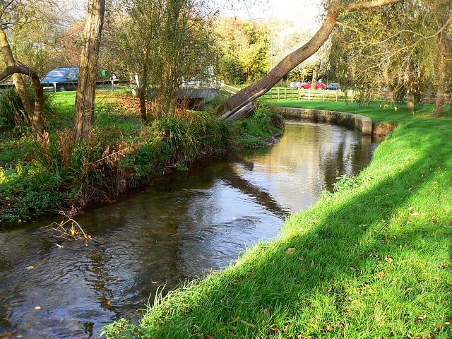 File:River Churn, Cirencester - geograph.org.uk - 608966.jpg