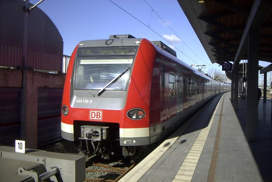 S-Bahn_Hannover_Type_423.jpg