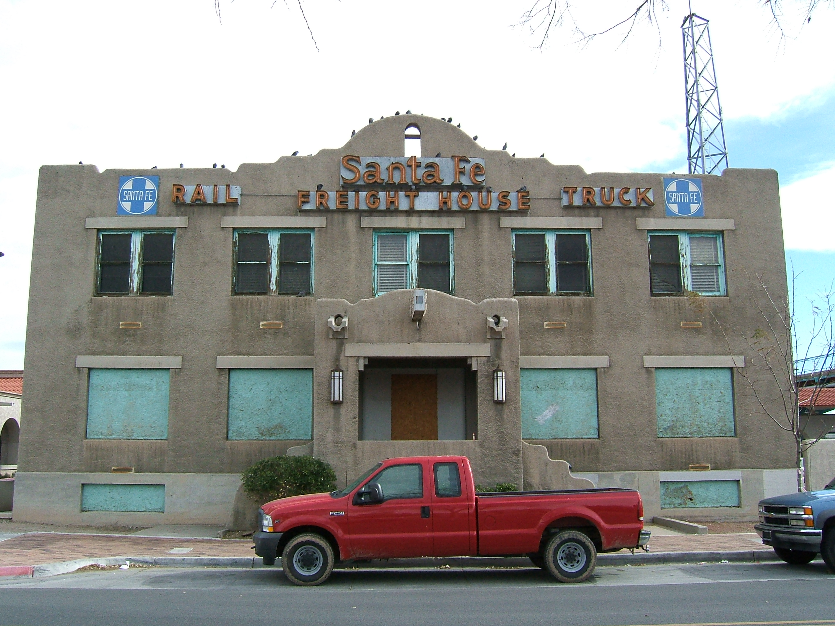 File Santa Fe Freight House Albuquerque Jpg Wikimedia