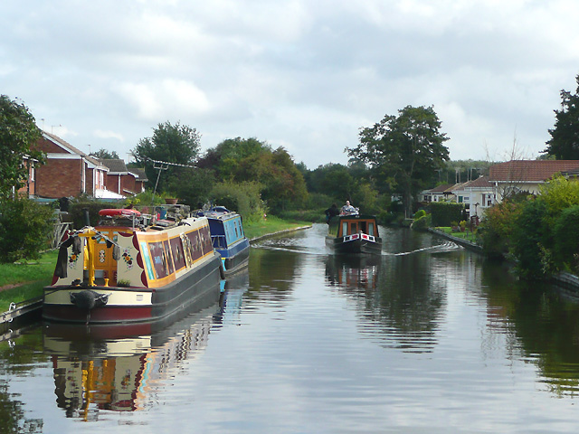Staffordshire and Worcestershire Canal at Penkridge - geograph.org.uk - 966838