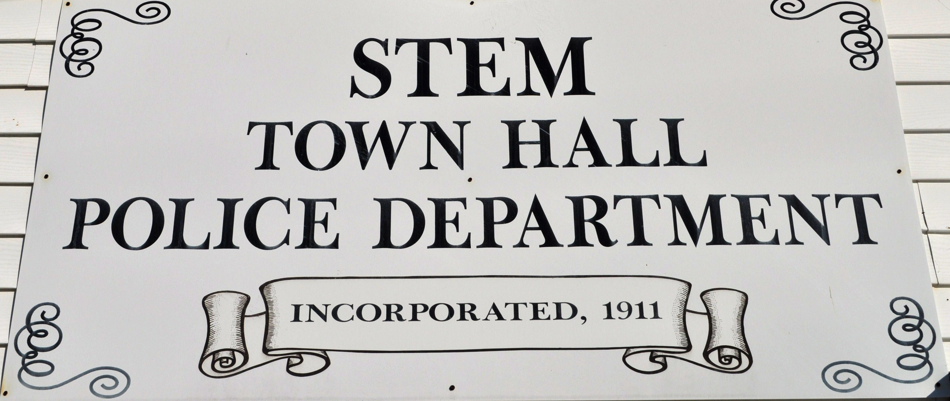 File:Stem Town Hall Sign.jpg - Wikimedia Commonsstem town