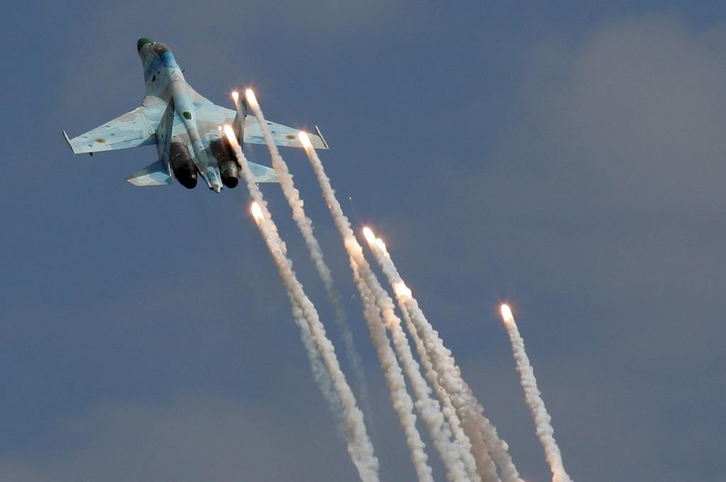 File:Sukhoi Su-27UB of Ukraine.jpg - Wikimedia Commons