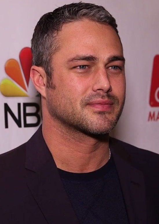 The 37-year old son of father (?) and mother Pamela Heisler Taylor Kinney in 2018 photo. Taylor Kinney earned a  million dollar salary - leaving the net worth at 2 million in 2018