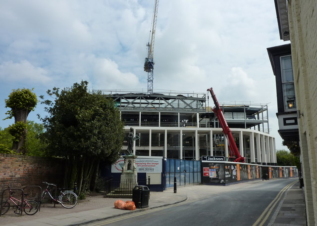 English The new Marlowe Theatre under construction object has role: photographer URL: https://www.geograph.org.uk/profile/18934 author name string: pam