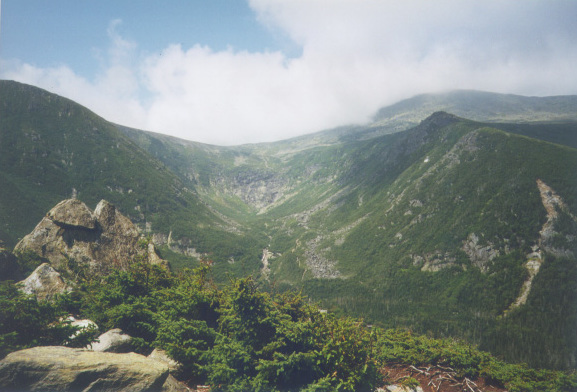 File:TuckermanRavine.MtWashington.NH.jpg
