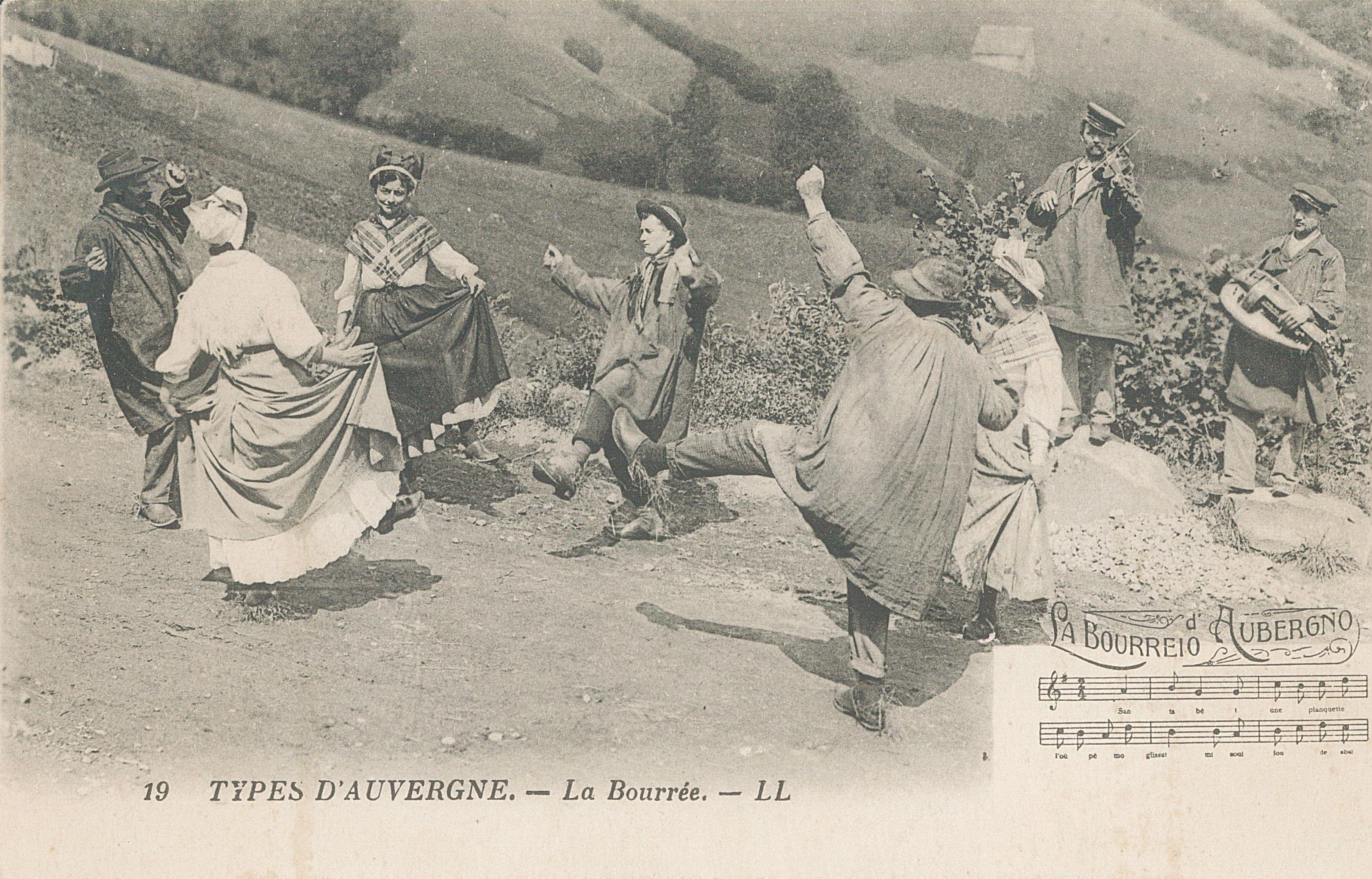 Archivo:Types d'Auvergne - La Bourrée (carte postale).jpg ...