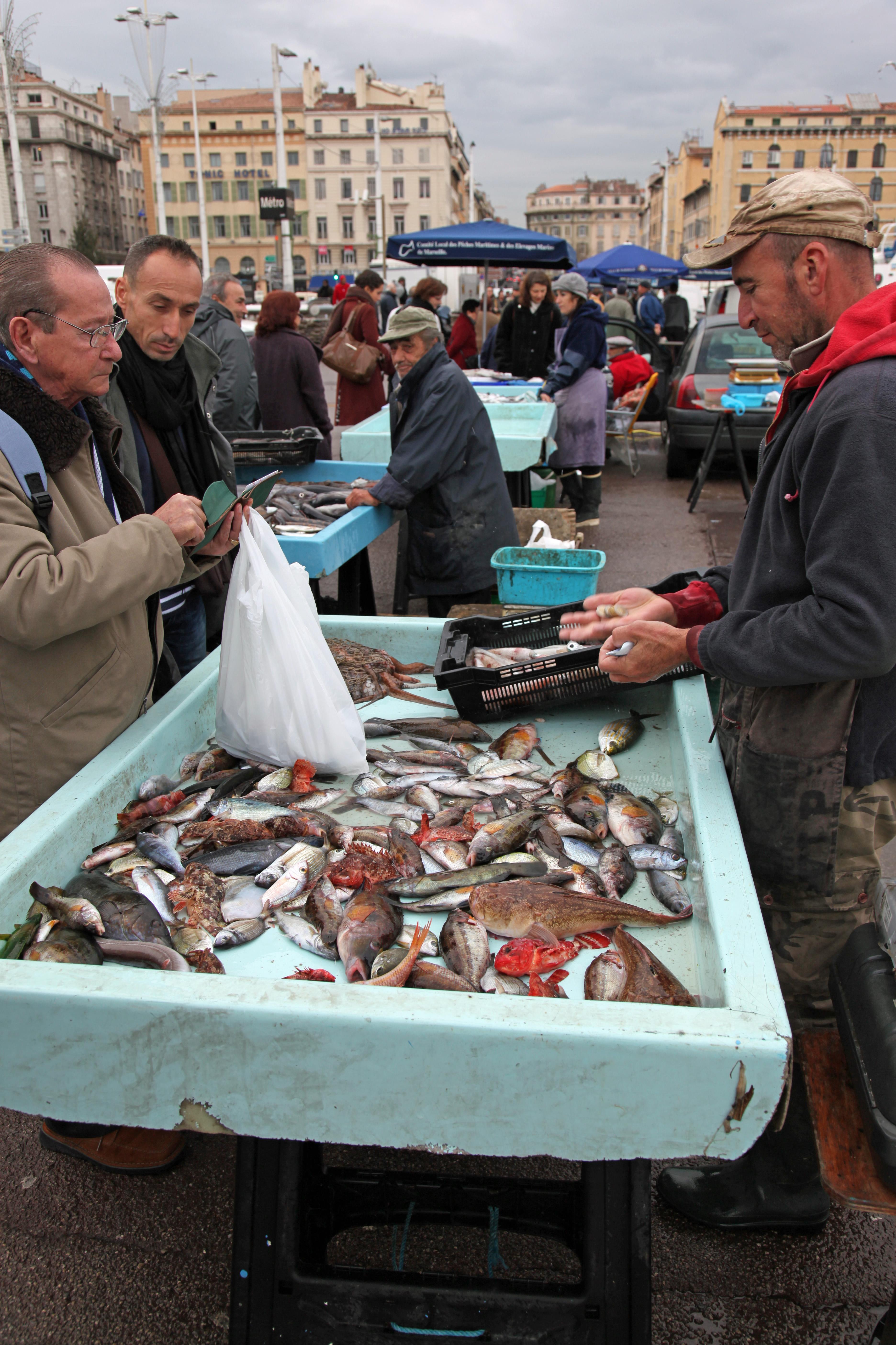 File vieux port de marseille poissons pour la - Restaurant poisson marseille vieux port ...