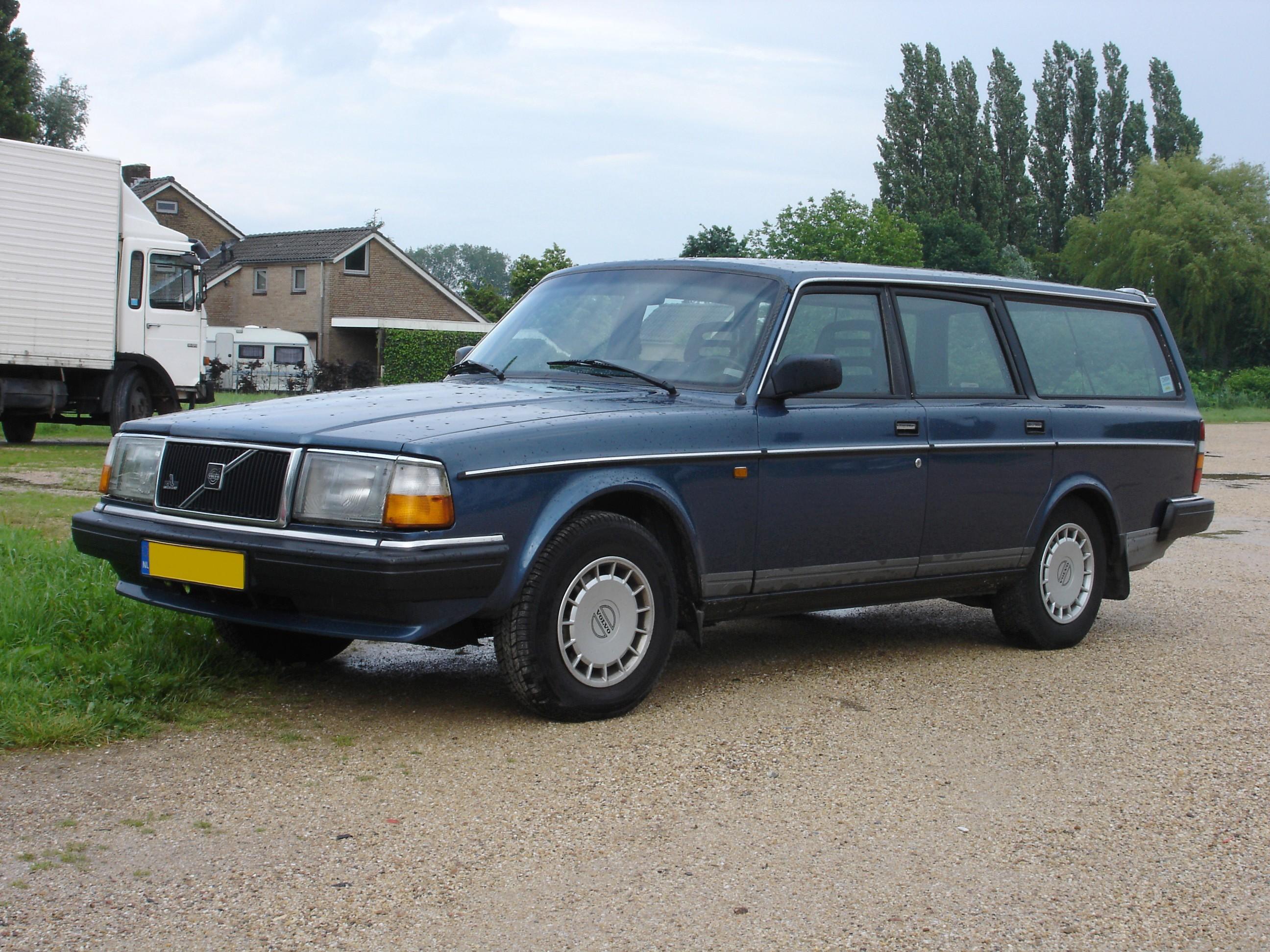 Datei Volvo 240 Kombi Modell 1986 Jpg Wikipedia