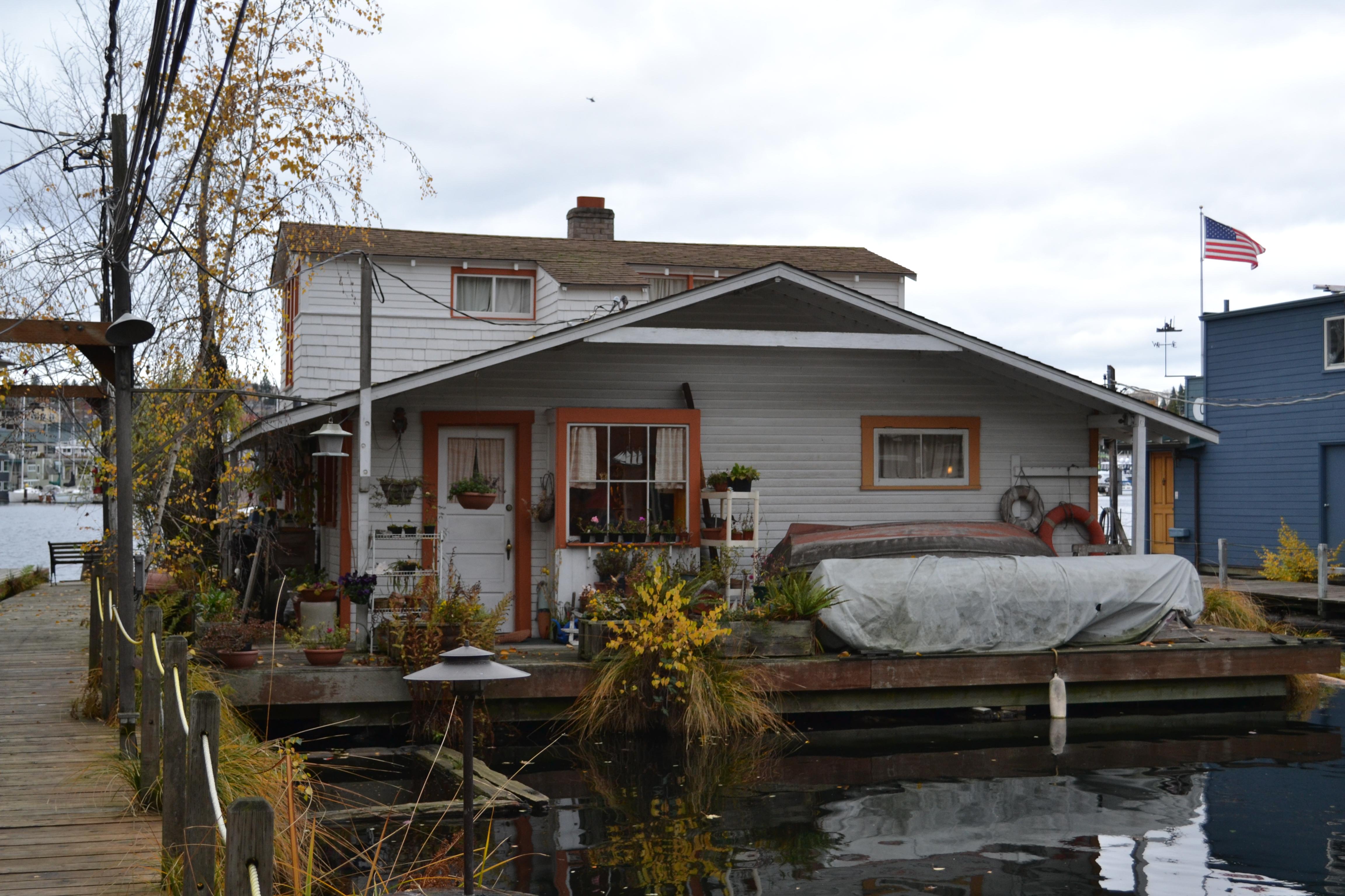 Wagner Houseboat (Seattle, Washington).jpg
