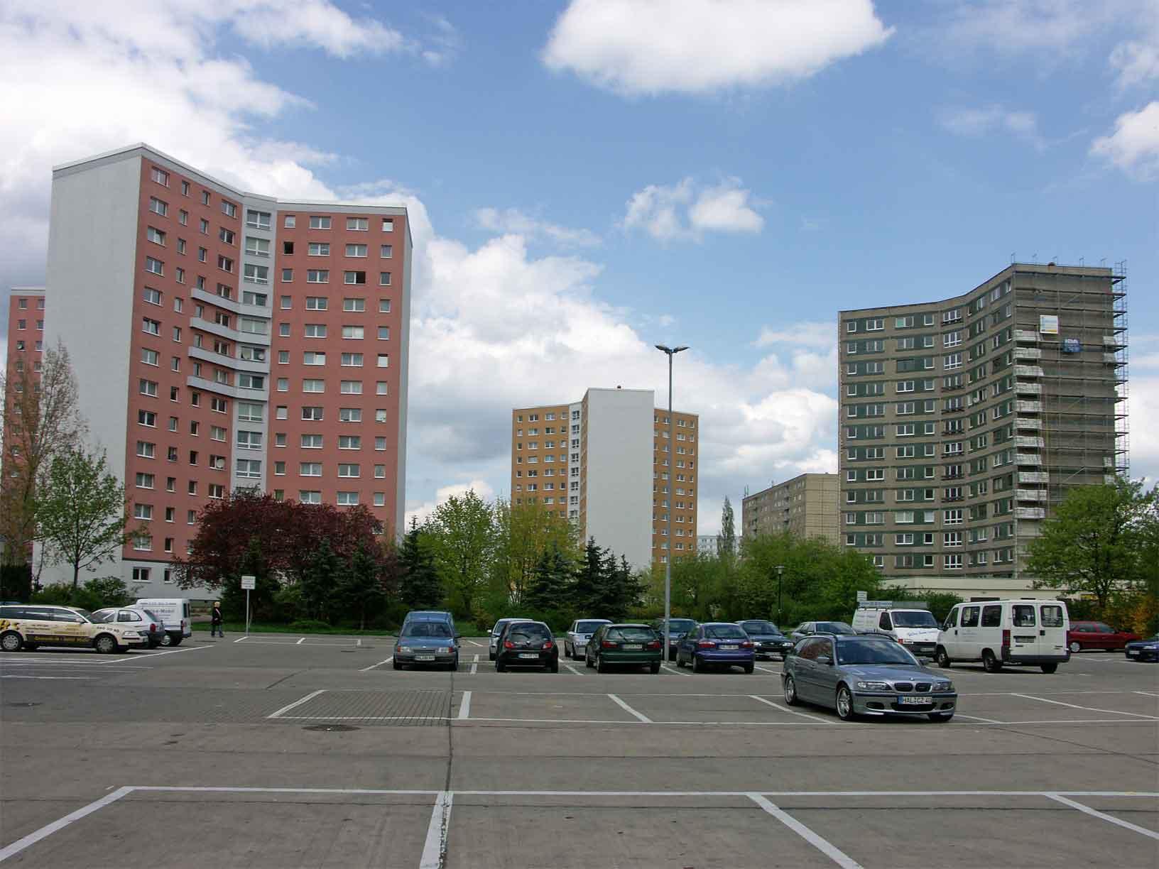 Description y hochhaus halle neustadt