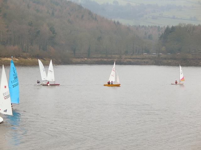 Yachts on Damflask Reservoir - geograph.org.uk - 124892
