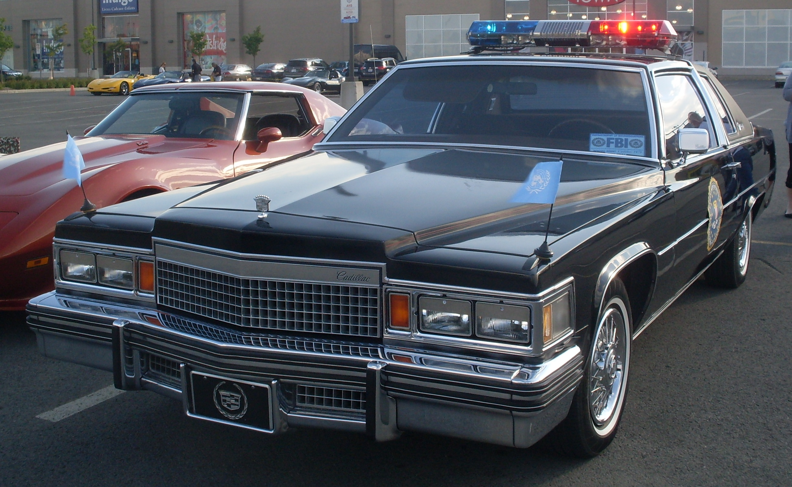 File79 Cadillac Police Coupe Les Chauds Vendredis 13JPG