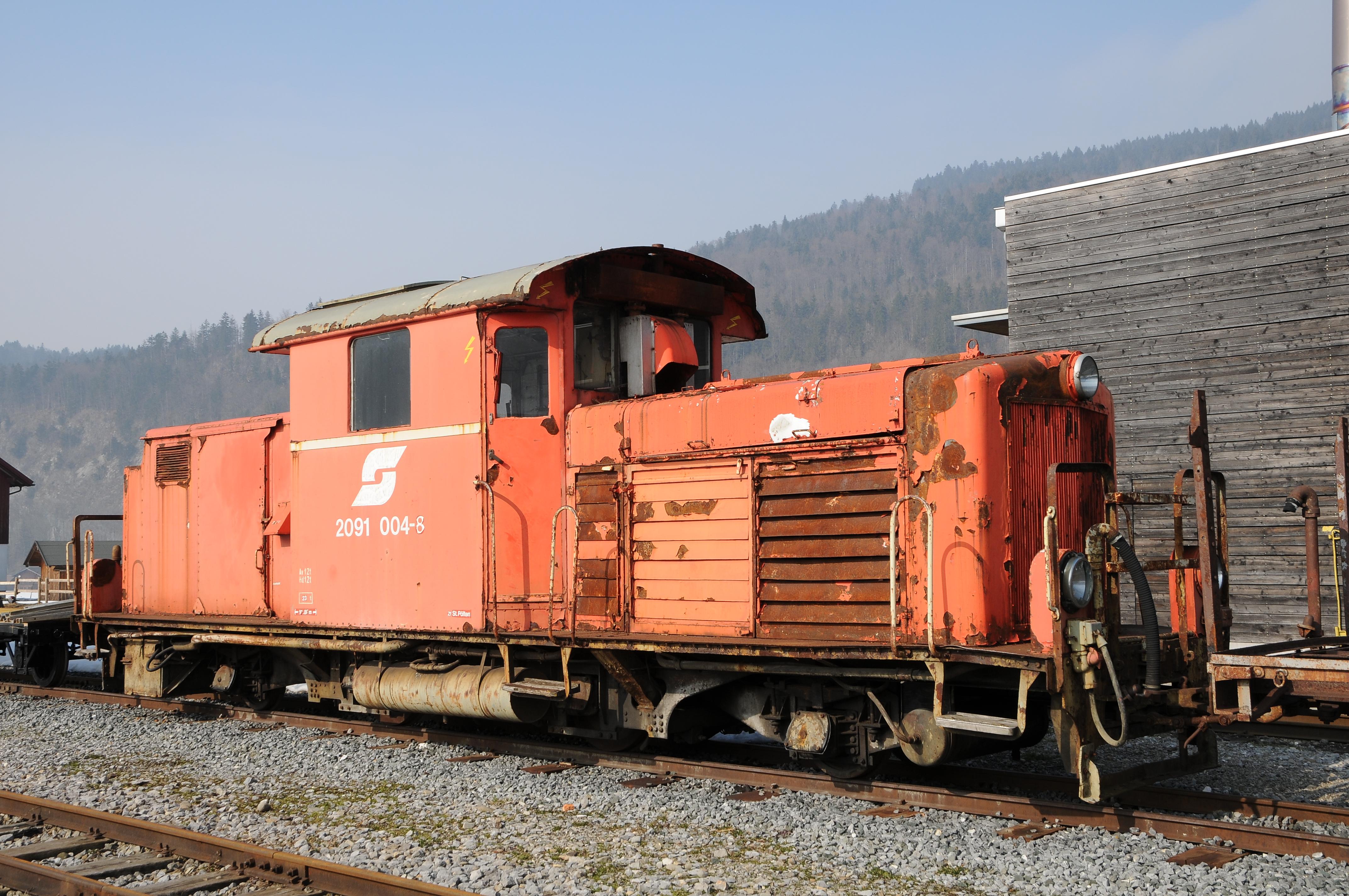 File:ÖBB Diesellok 2091 004-8.JPG