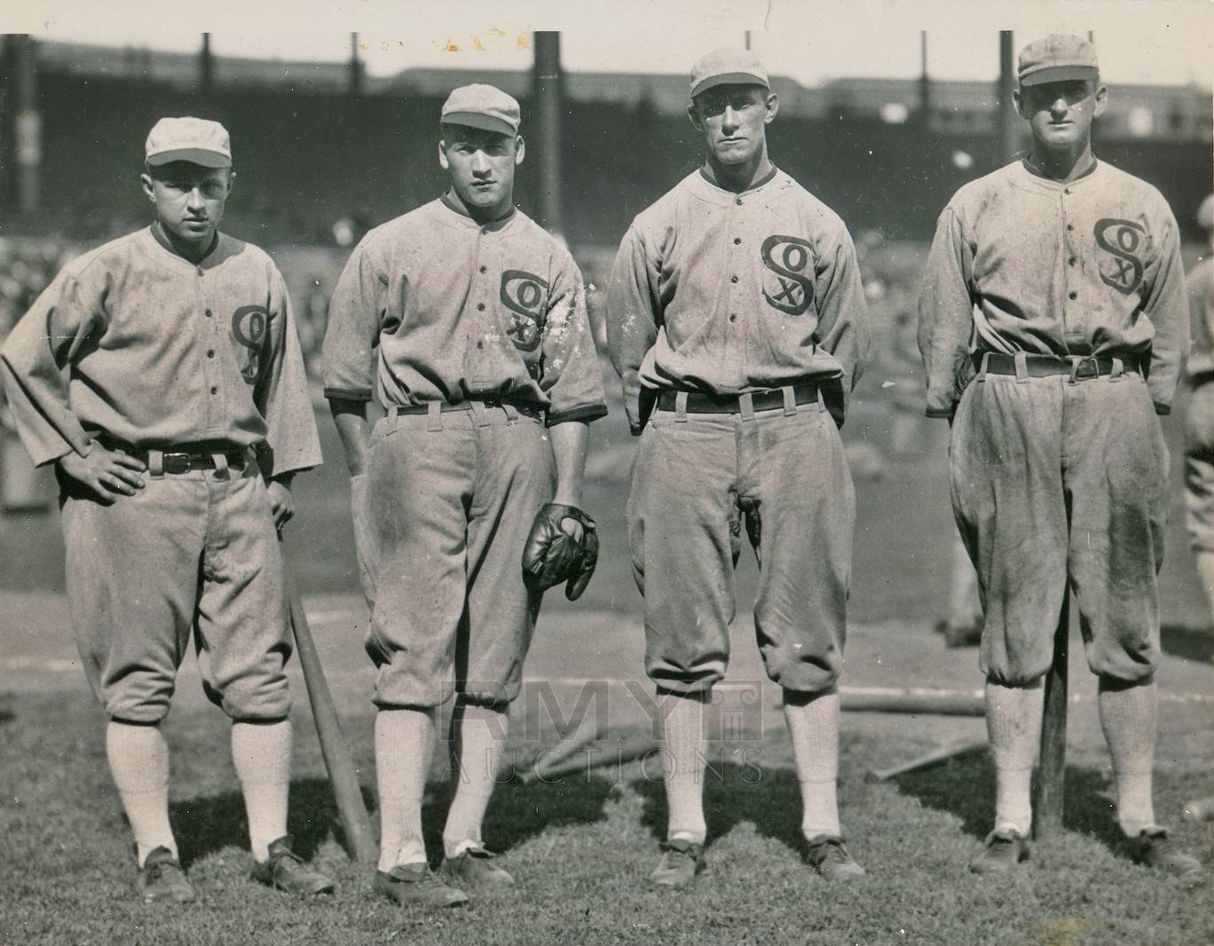 size 40 33565 72410 File:1919-Chicago-Black-Sox-Outfield-by-Charles-Conlon.jpg ...